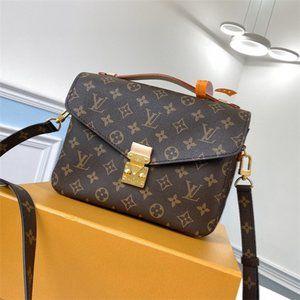 Louis Vuitton M44875 classic Crossbody Bags NWT ))